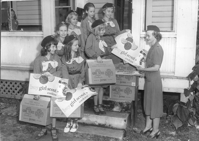 53-Intermediate Scouts Cookies 1950's